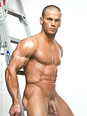 Oiled muscle bald guy Danilo posing naked