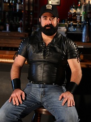 When you are the prowl for a hot bear playmate, you wont be disappointed to find sexy bear Scott Cardinal in a bar