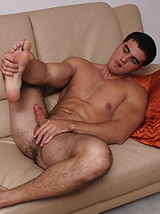 Hot muscled men Alain Lamas solo