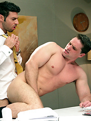 Dario Beck fucks his office buddy