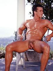 Muscle man naked outdoors