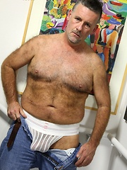 Hairy mature man Patrick Montana