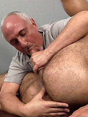 Big hairy bear gets sexy massage, handjob and rimmjob from Jake